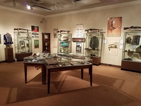 Coshocton, OH: Johnson-Humrickhouse Museum
