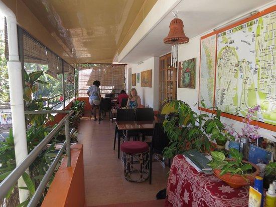 ซาจโฮม: Breakfast Balcony