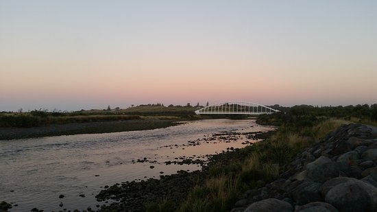Te Rewa Rewa Bridge at sunset