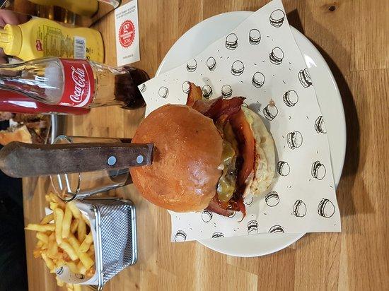 Boom! Burgers: 20170128_144540_large.jpg