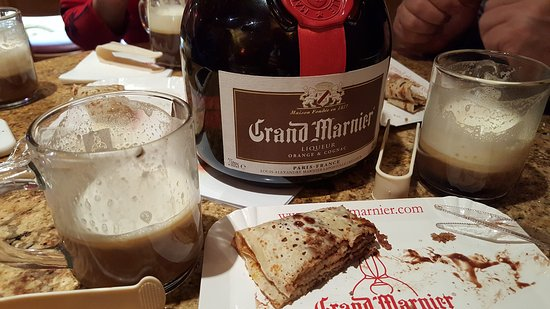 Crêperie Au Grand Marnier : Lovely to have found it. Excellent place for pre or après ski ❤