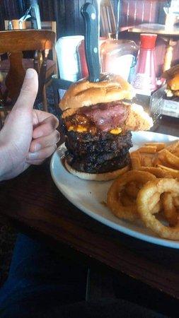 Marton, UK: Flaming challenge burger