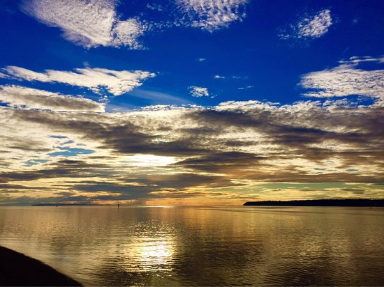 Blaine, WA: I've witnessed some of the most Amazing Sunset Views at Semiahmoo Resort!