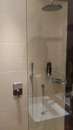 Hotel Vienna: Bagno - doccia