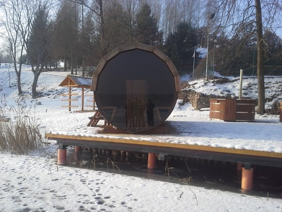 Lukta, Pologne : Fińska sauna a po niej kąpiel w przeręblu obok. Rewelacja