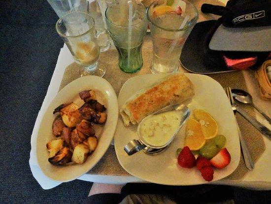 Sign of The Mermaid: Lecker Lunch Burrito mit hausgemachter Soße