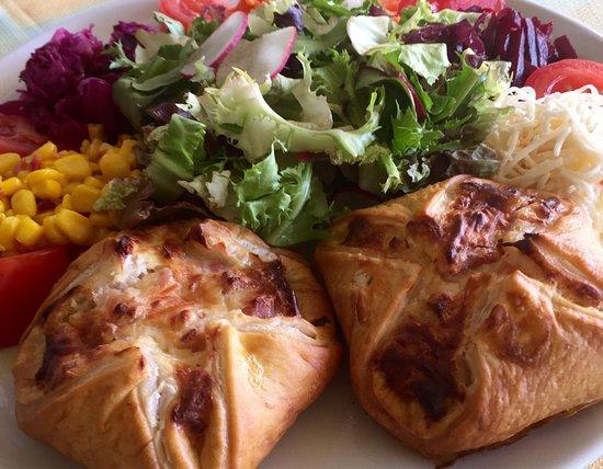 Belfaux, Suisse : Promotions du mois actuelles Paniers Jambon-Fromage Fr 15.00 CHICKEN Nuggets Fr 17.00