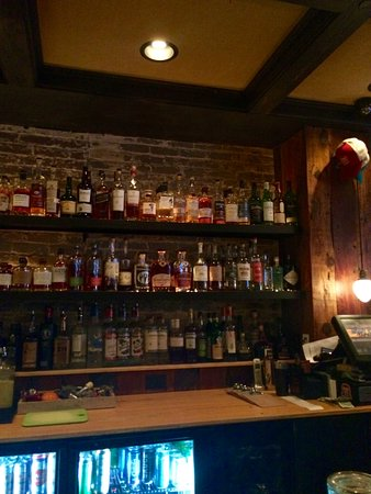 Saratoga Springs, NY: good liquor selection