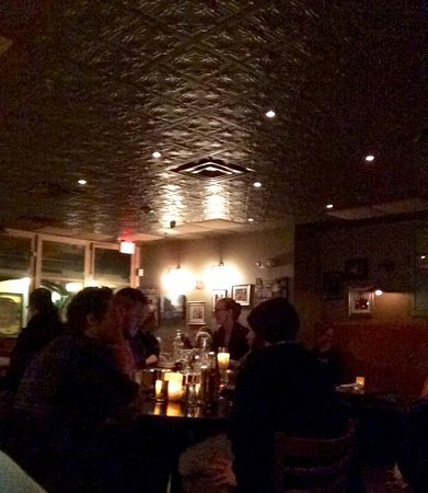 Saratoga Springs, NY: nice tin ceiling