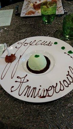 Saint Savin, Francia: Encore un super repas et merci pour la personnalisation du dessert