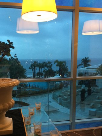 .... Όμορφη θέα ... Με ένα ποτήρι κρασί για χαλάρωση !!!!!