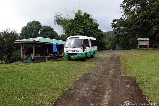 Kingstown, St. Vincent: Parkplatz La Soufriere Trail