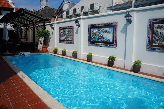 Yeng Keng Hotel: La piscine de l'hôtel, pas énorme mais sympa