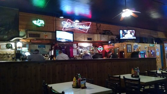 Chewelah, WA: Sportsman's Bar and Grill