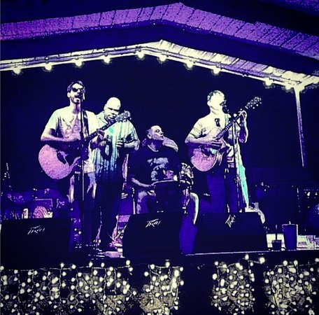 Wildwood, FL: Humans In Disguise Live Music!!