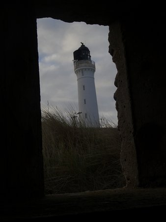 Lossiemouth, UK: Window with a view of the Covesea Lighthouse Tower.