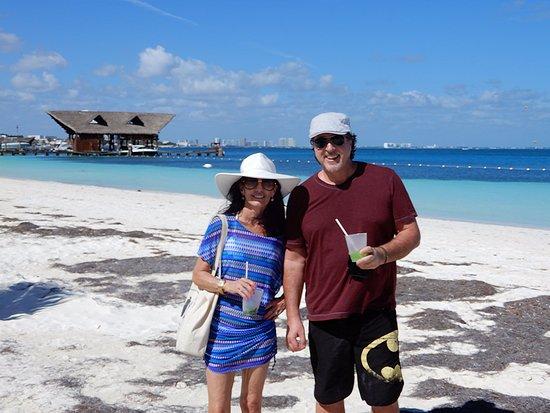 Playa Tortugas Rosario Cata And Carolyn At Tortugus In Cancun Mexico