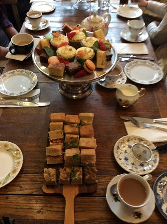 Chin! Chin! : Afternoon tea