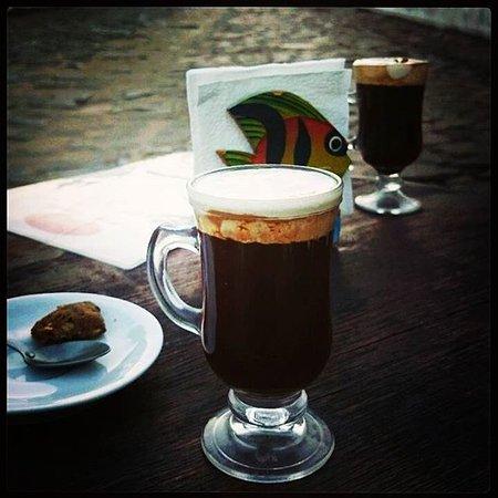 Divino Cafe Paraty: cafe com creme do Divino!