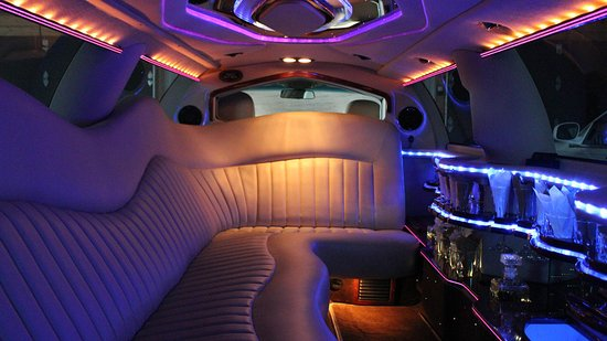 Ottawa, Canadá: Lincoln Stretch Limousine interior