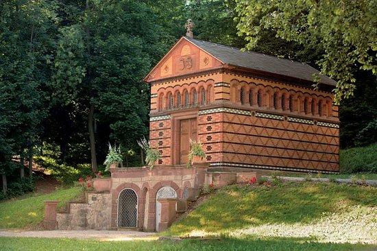 Fränkisch-Crumbach, Deutschland: Die Sarolta-Kapelle ist sehr sehenswert.