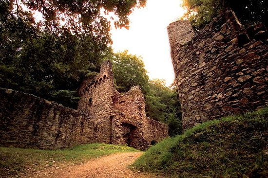 Fränkisch-Crumbach, Deutschland: Eine besondere Attraktion ist die Burgruine Rodenstein.