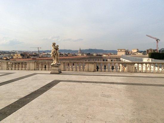 Terrazza che da su Roma - Foto di Palazzo del Quirinale, Roma ...