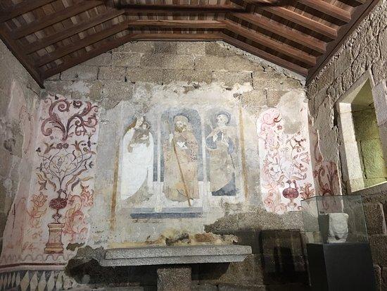Igreja de Santiago e Panteão dos Cabrais: photo1.jpg