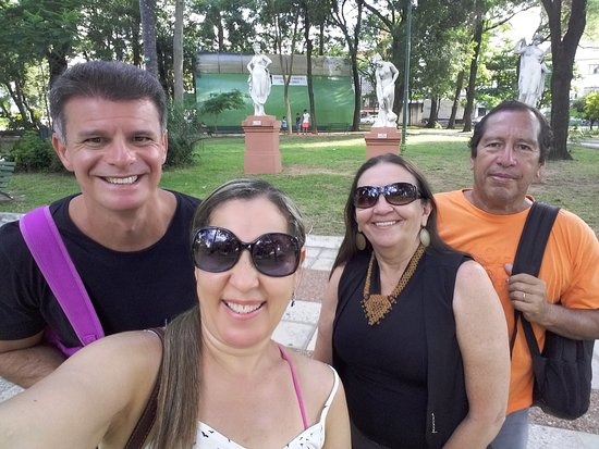Plaza Uruguaya: Espaço para conversas e descontação