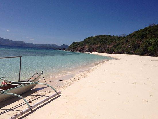 plage de malcapuya island