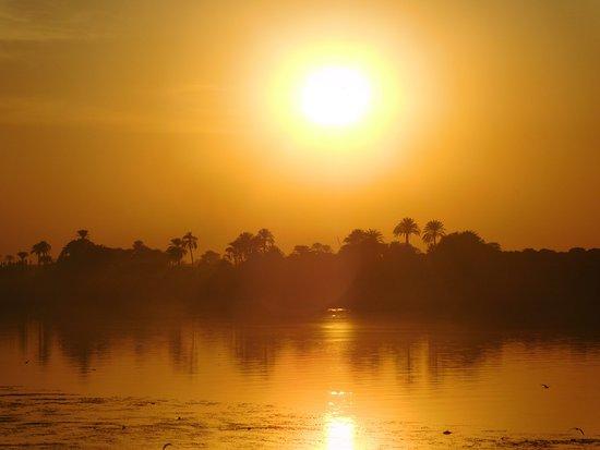 Jolie Ville Hotel & Spa - Kings Island, Luxor: Sunset over the Nile.