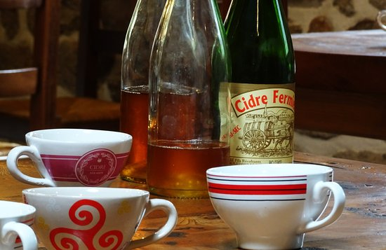 Dinan, Frankrike: A cup of cider