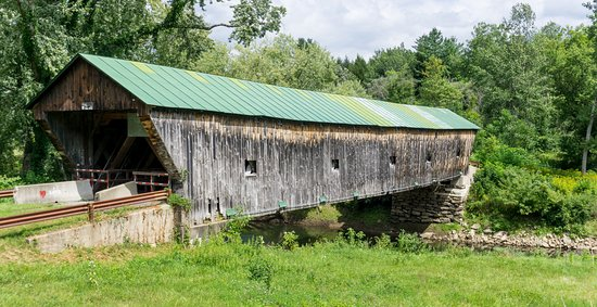 Pittsford, VT: Hammond covered bridge -