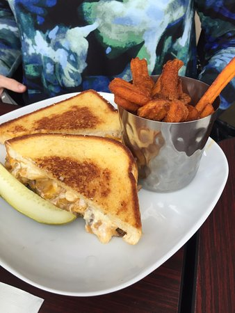 Wausau, WI: Brisket Mac & Cheese Grilled Cheese with sweet potato fries