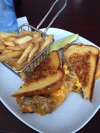 Wausau, WI: Brisket Mac & Cheese Grilled Cheese Sandwich with ranch fries