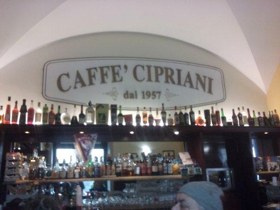 Caffe Cipriani: insegna interna