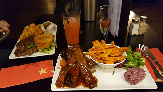 apartment: Sirloin steak with Onion Ring & Peppercorn Sauce / BBQ Ribs & Chicken Strips with Sweet Potato F
