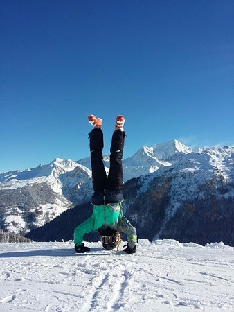 Ancolies Lodge: My middle daughter showing off in the mountains!