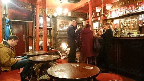 Kays Bar : Friendly local's bar