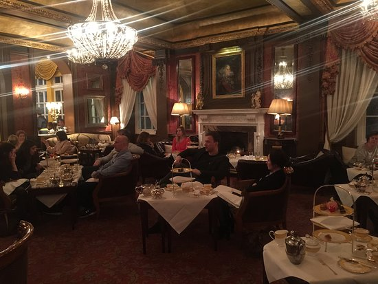 The Goring Bar & Lounge: The lounge