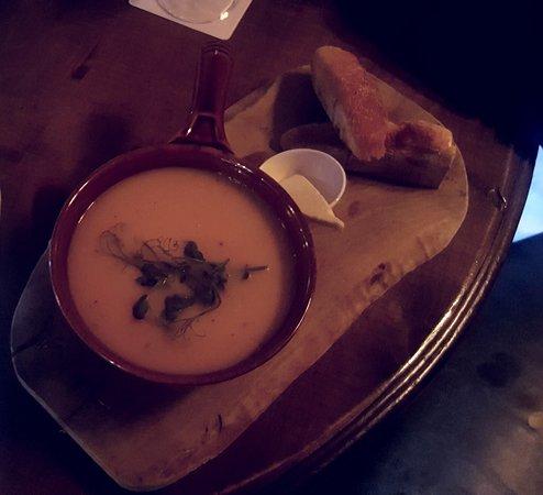 Styal, UK: The soup and bun