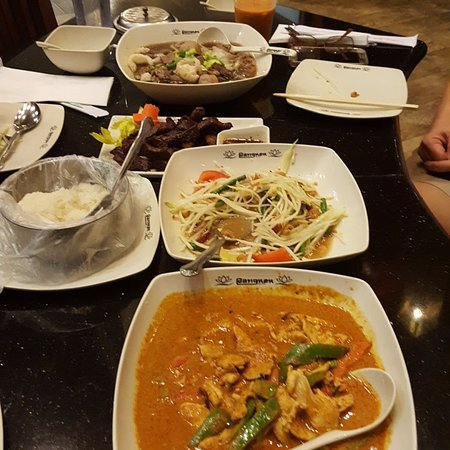 Artesia, CA: Full blown Thai experience