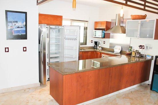Encanto Paseo del Sol: kitchen