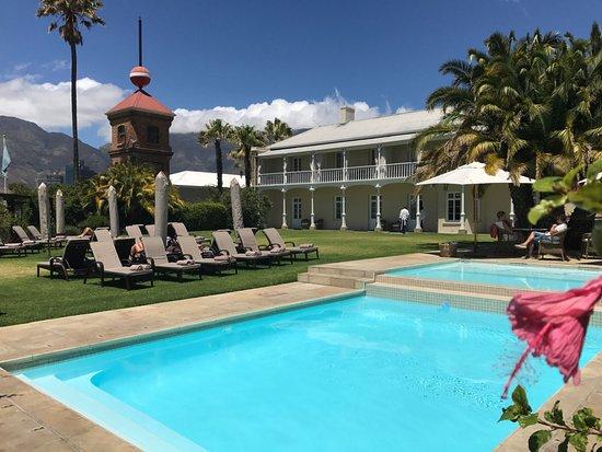Dock House Boutique Hotel: zwemmen met zicht op Table Mountain ... :)