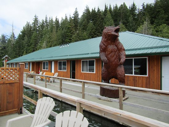 Glendale Cove, Канада: View of Knight Inlet Lodge