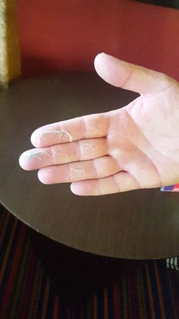 Coco Key Hotel and Water Park Resort: Dust from table