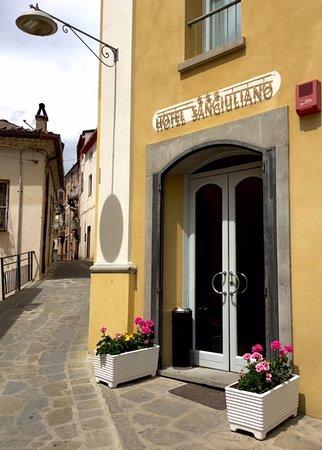 Accettura, Italy: Entrance to the Hotel San Giuliano