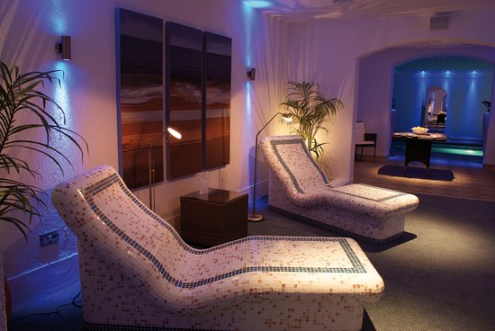 Victoria Hotel: The Luxury Spa Area