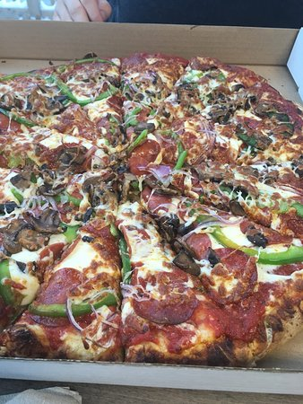 Walkerton, แคนาดา: The Old Garage Wood Fired Pizza