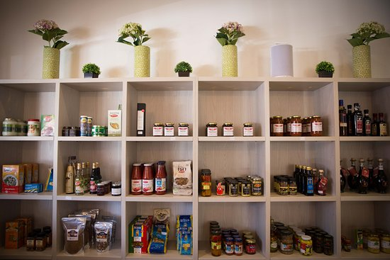 Greytown, Nueva Zelanda: Shop in the deli store for something special to take home